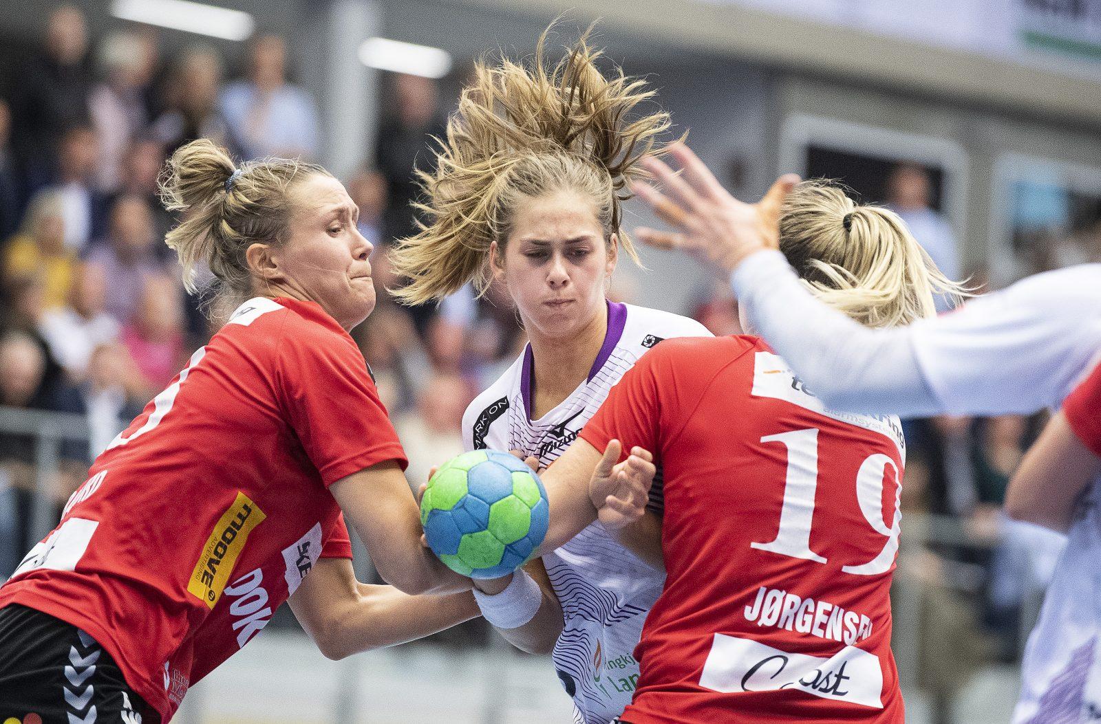 Kvindehåndbold: Team Esbjerg - Herning-Ikast Håndbold